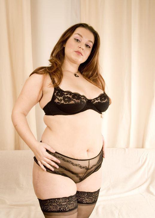 Frauen strapse nackte Strip
